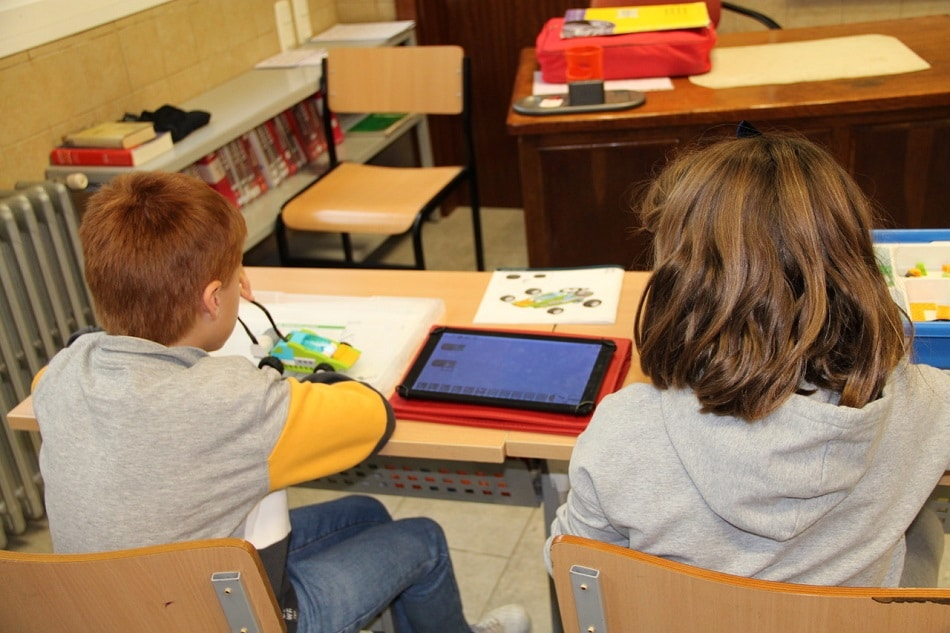 Alumnos de Infantil y Primaria robótica