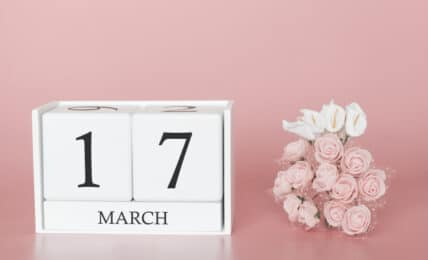 17 marzo dia 17 mes calendario cubo rosa moderno 73102 924