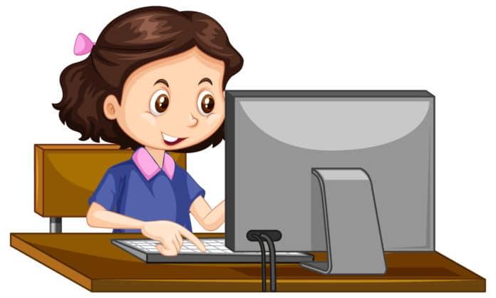 niña usando ordenador