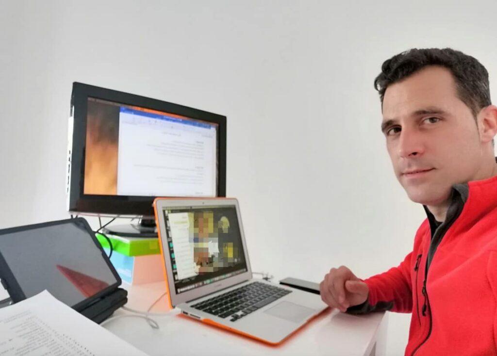 Profesor de El Buen Pastor  - digitalización de las aulas
