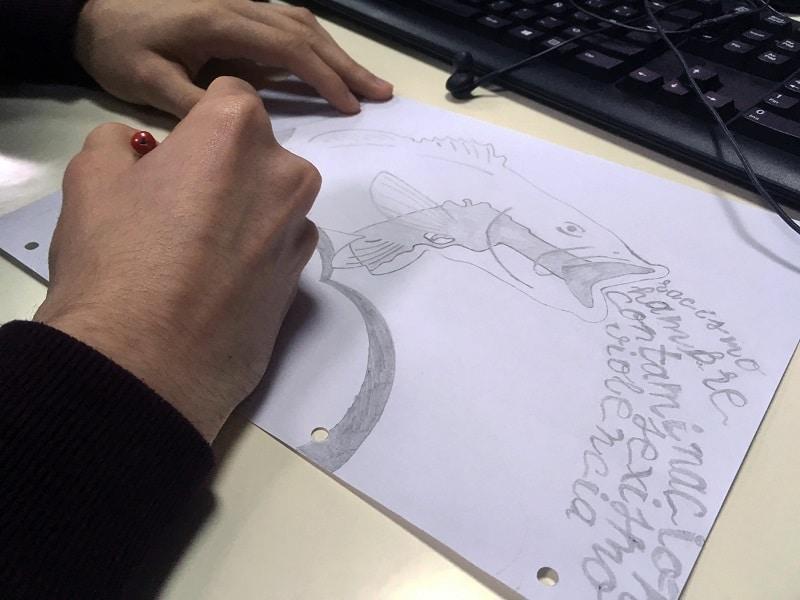 Arte y diseño gráfico - diseñando los peces a mano