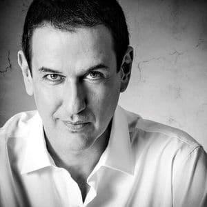Roberto Santiago autores literatura infantil y juvenil