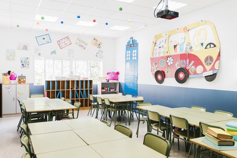 Vuelta a las aulas - foto de una clase vacía de primaria