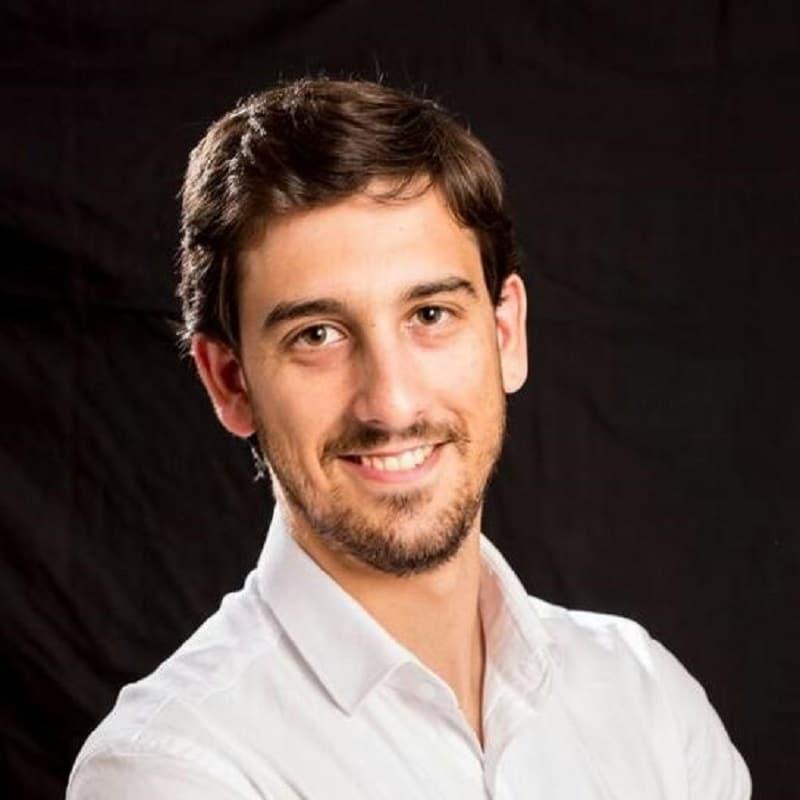 Pedro Martín - Maestro de Educación Física en el Colegio Aquila de Parla (Madrid).