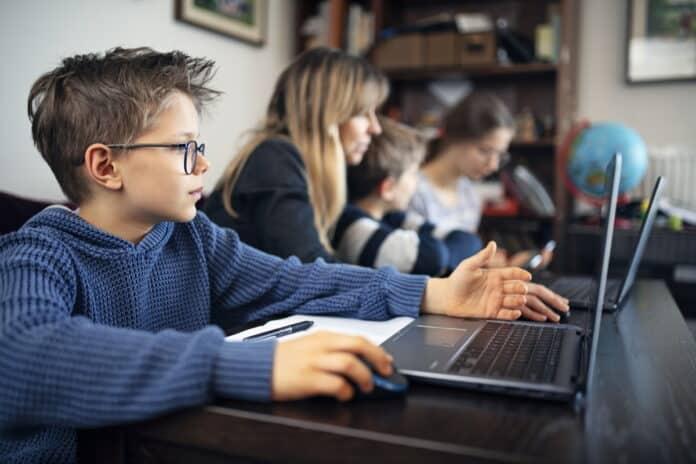 Dispositivos para casa y el aula que favorecen el aprendizaje a distancia