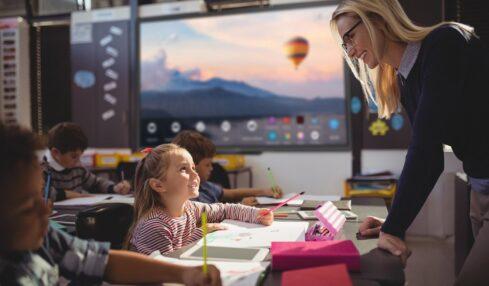 Newline Interactive: herramientas que favoecen la colaboración en el aula