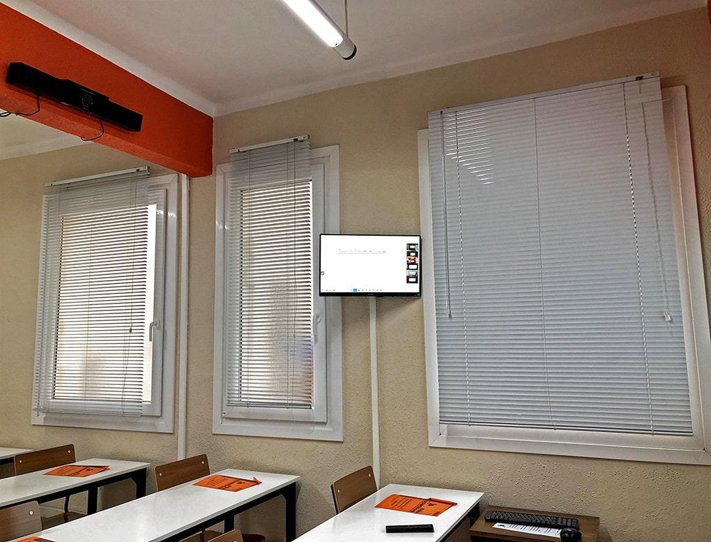 Clases semipresenciales en el Centro de Estudios Superiores de San Agustín (Bilbao).