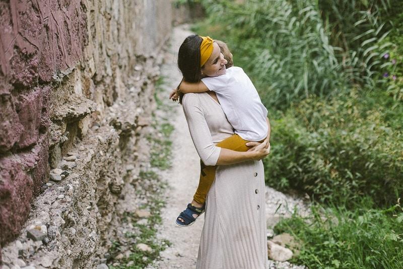 Marta Prada - Crecer felices ante grandes cambios de vida - figura de apego