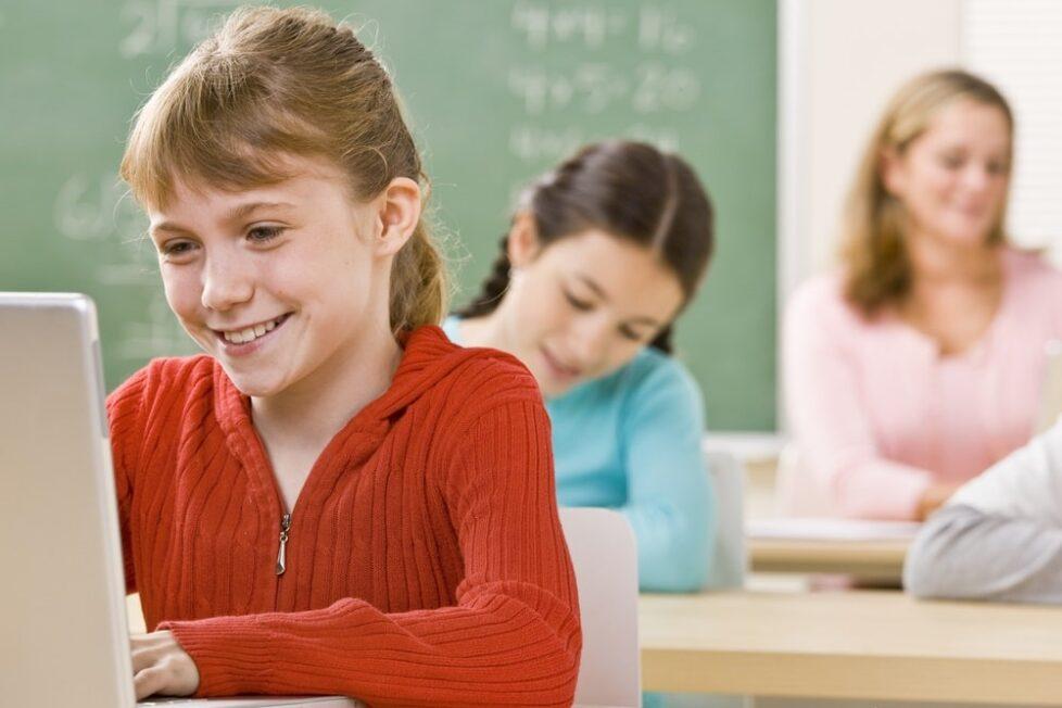 Artículo de opinión de aulaPlaneta: ¿Están los centros preparados para la educación digital y las aulas online?