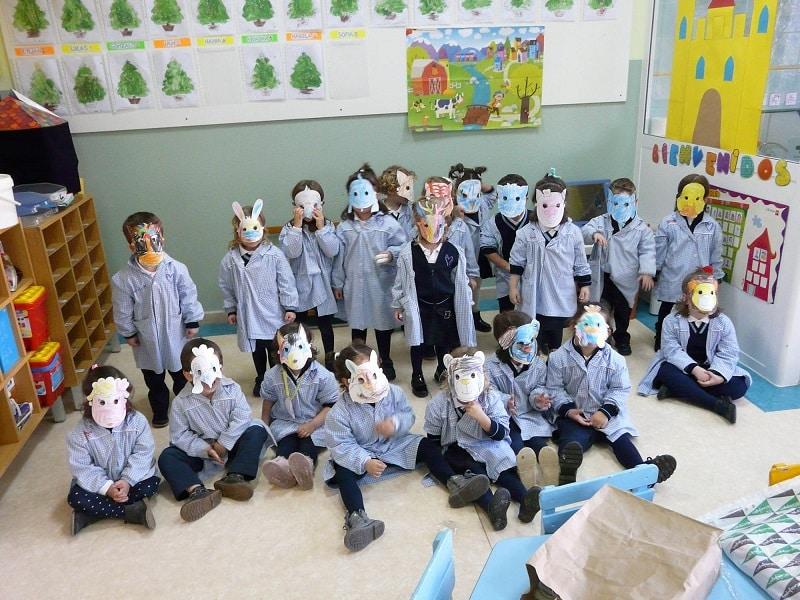 Niños disfrazados de animales Proyecto Cachorros