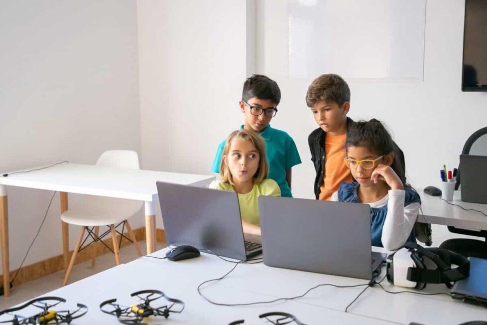 Peligros de la educación online para la privacidad de los alumnos menores
