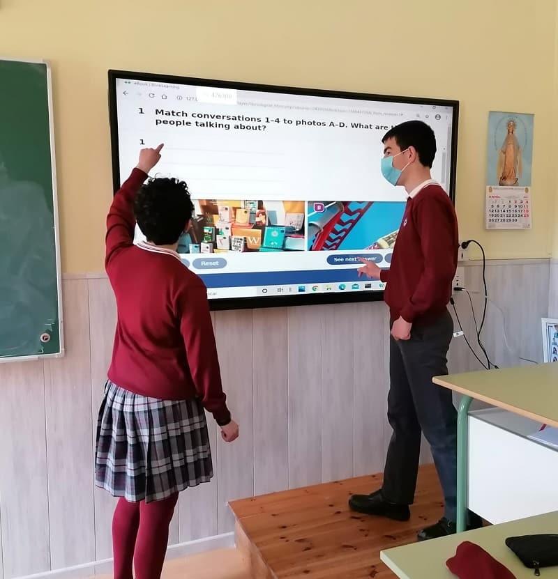 Monitores interactivos Charmex colegio San Vicente