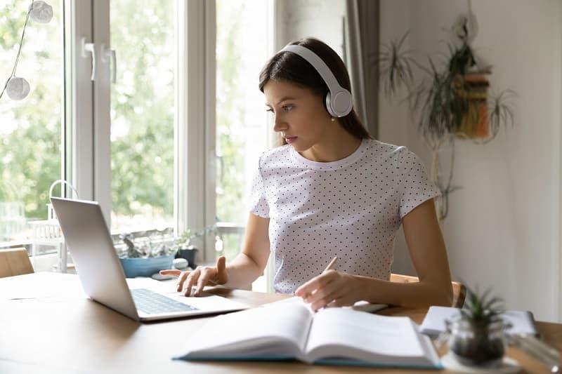 Estudiante online Estudia en España