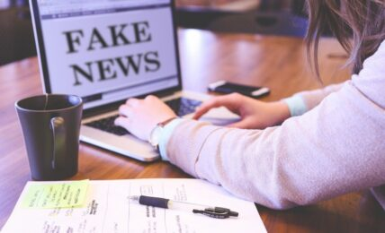 Combatir las fake news