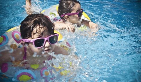 juegos piscina psicomotricidad